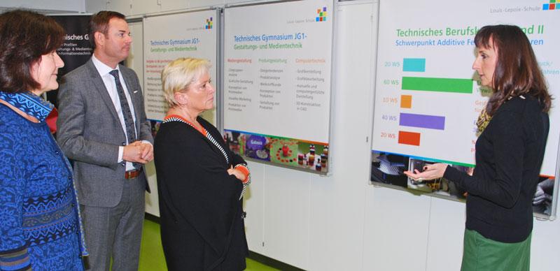 Besuch_Kulturministerin-Eisenmann